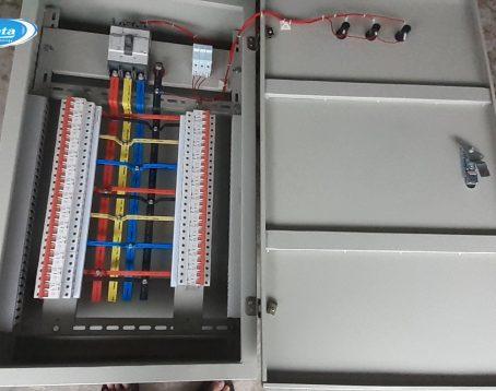Tủ-điện-phân-phối-3-pha-3c8xdlegptds76jqud4pog.jpg
